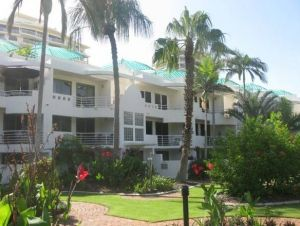 Camargue Beachfront Apartments - Wagga Wagga Accommodation