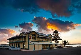 Arno Bay Hotel - Wagga Wagga Accommodation