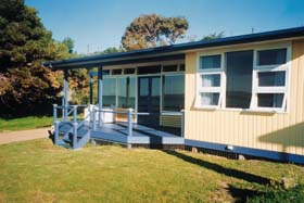 Eskavy Beach House - Wagga Wagga Accommodation