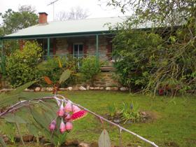 Naimanya Cottage - Wagga Wagga Accommodation