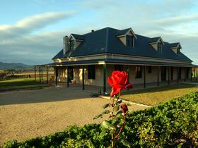 Abbotsford Country House - Wagga Wagga Accommodation