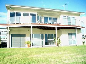 Swanport Views Holiday Home - Wagga Wagga Accommodation