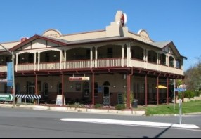 The Royal Hotel Adelong - Wagga Wagga Accommodation