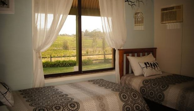 Blackthorn Hill Retreat - Wagga Wagga Accommodation