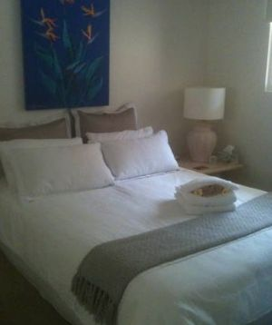 Absolute Beachfront Manly Bed and Breakfast - Wagga Wagga Accommodation
