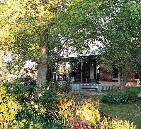 Amazing Country Escapes - Evanslea By The River - Wagga Wagga Accommodation