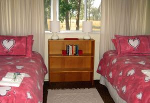 Flag Springs Bush Retreat - Wagga Wagga Accommodation