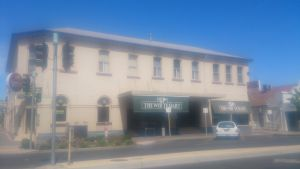 White Hart Hotel - Wagga Wagga Accommodation