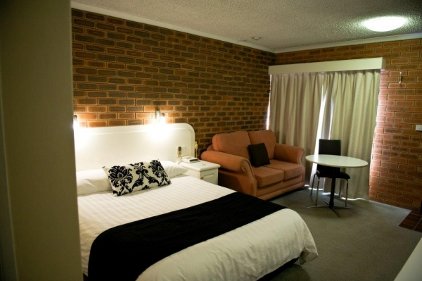 Cousins Motor Inn - Wagga Wagga Accommodation