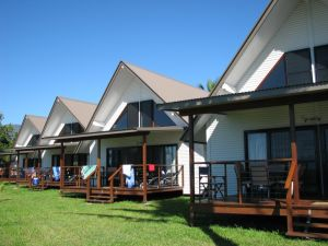 Cardwell Beachcomber Motel  Tourist Park - Wagga Wagga Accommodation