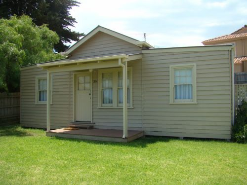 George Cottage - Wagga Wagga Accommodation