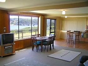 Authur River Beach House - Wagga Wagga Accommodation
