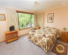Waterside Accommodation - Derwent Vista - Wagga Wagga Accommodation