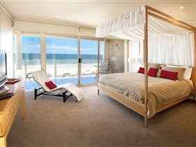Adelaide Luxury Beach House - Wagga Wagga Accommodation