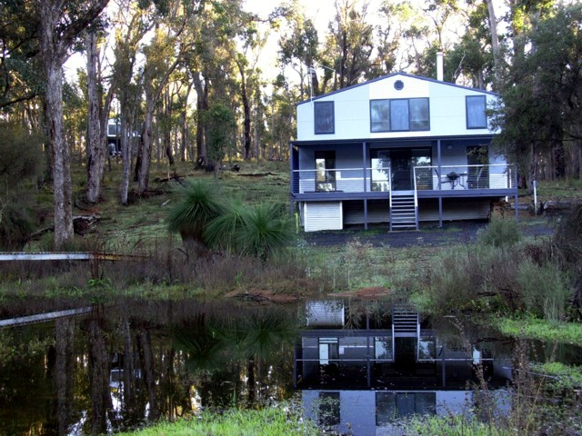 Hidden Grove Retreat - Wagga Wagga Accommodation