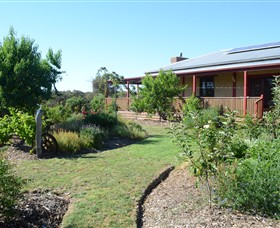 Mureybet Relaxed Country Accommodation - Wagga Wagga Accommodation