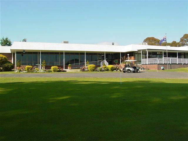 Tenterfield Golf Club and Fairways Lodge - Wagga Wagga Accommodation