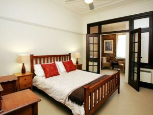The Bank Guesthouse - Wagga Wagga Accommodation