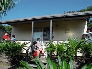 Canton Beach Waterfront Tourist Park - Wagga Wagga Accommodation