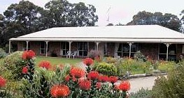 Between The Bays Retreat - Wagga Wagga Accommodation