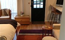 Milo's Bed and Breakfast - Wagga Wagga Accommodation