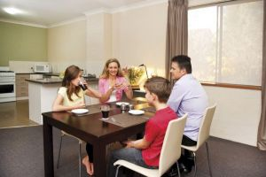 Oxley Court Apartments - Wagga Wagga Accommodation