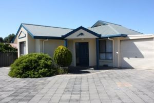 Robe Dolphin Court Apartments - Wagga Wagga Accommodation