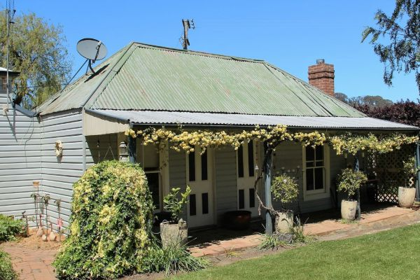 Drayshed Cottage - Wagga Wagga Accommodation