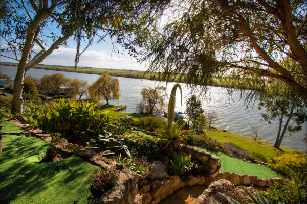 Karymbalee Cottage - Wagga Wagga Accommodation
