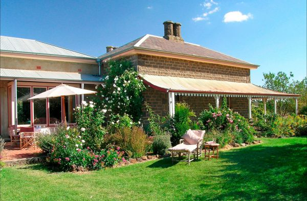 Lochinver Farm Homestead and Cottages - Wagga Wagga Accommodation