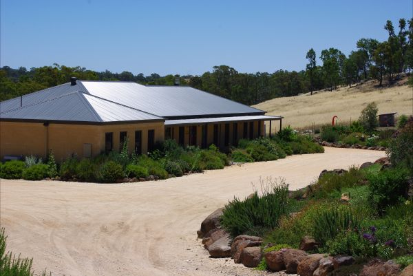Yalooka Farm - Wagga Wagga Accommodation