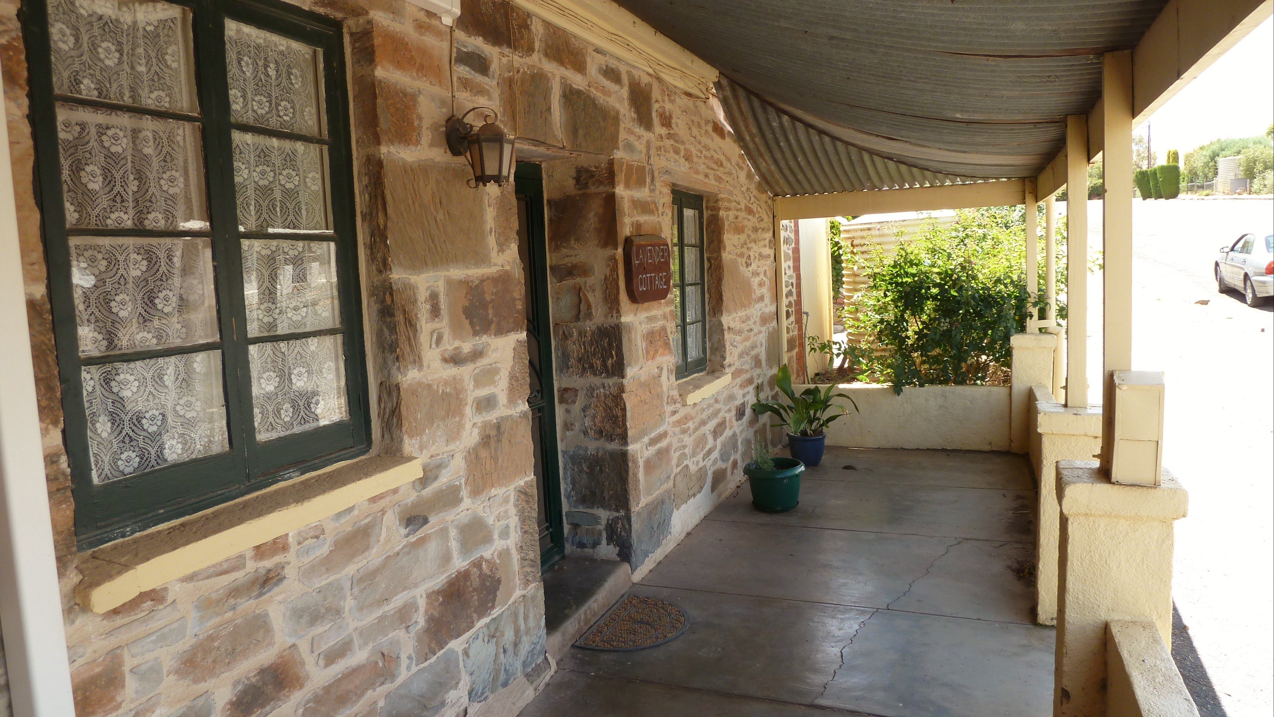 Lavender Cottage Bed And Breakfast Accommodation - Wagga Wagga Accommodation