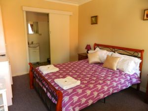 Beaufort House - Wagga Wagga Accommodation