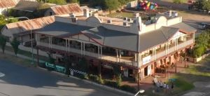 Royal Hotel Adelong - Wagga Wagga Accommodation