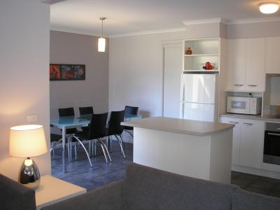 Edgewater Terraces At Metung - Wagga Wagga Accommodation