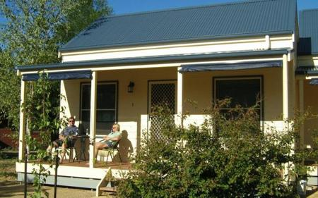 Alpine Valley Cottages - Wagga Wagga Accommodation