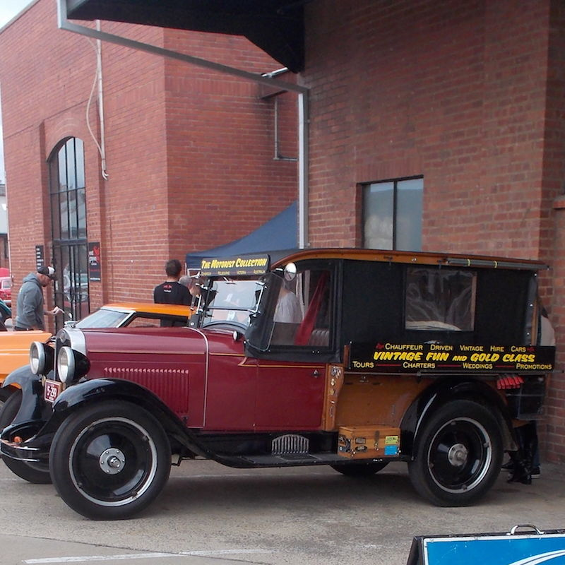 Vintage Fun Hire Cars - Wagga Wagga Accommodation