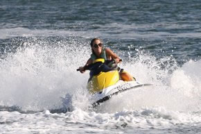 Extreme Jet ski Hire - Wagga Wagga Accommodation