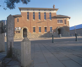 Albany Courthouse - Wagga Wagga Accommodation
