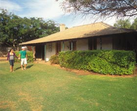 Russ Cottage - Wagga Wagga Accommodation