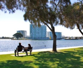 Foreshore Reserve - Wagga Wagga Accommodation