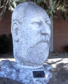 Sir John Forrest Monument - Wagga Wagga Accommodation