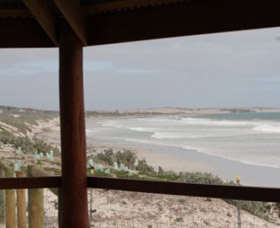 Tarcoola Beach - Wagga Wagga Accommodation