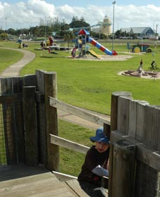 Yoganup Playground - Wagga Wagga Accommodation