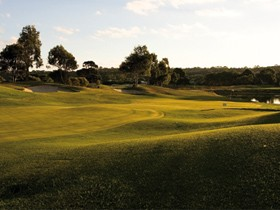 McCracken Country Club Golf Course - Wagga Wagga Accommodation