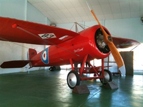 Captain Harry Butler Red Devil Monoplane Memorial - Wagga Wagga Accommodation