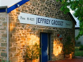 Grosset Wines - Wagga Wagga Accommodation