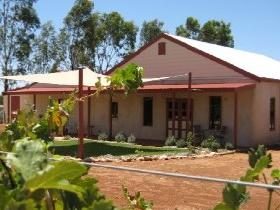 919 Wines - Wagga Wagga Accommodation