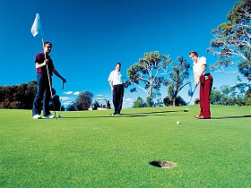 Oatlands Golf Course - Wagga Wagga Accommodation