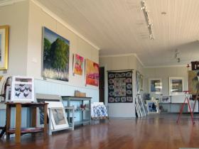 Tamar Valley Art Shack - Wagga Wagga Accommodation
